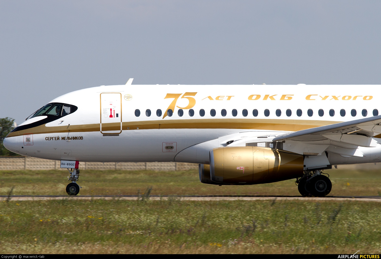 Center South RA-89007 aircraft at Simferepol Intl
