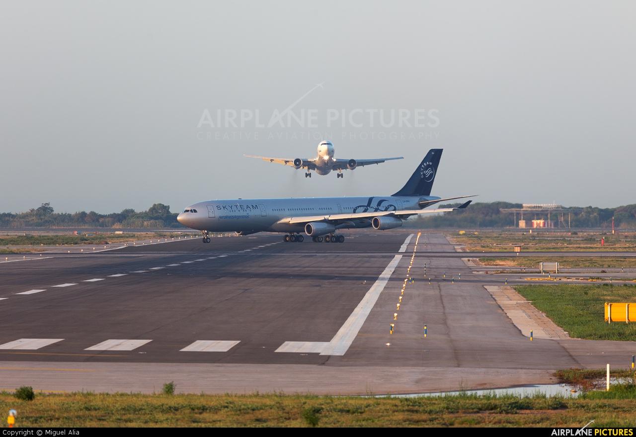 Aerolineas Argentinas LV-FPV aircraft at Barcelona - El Prat