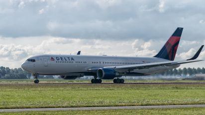 N173DZ - Delta Air Lines Boeing 767-300ER