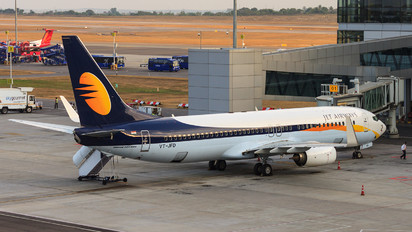 VT-JFD - Jet Airways Boeing 737-800