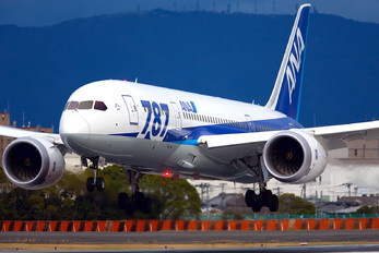 JA821A - ANA - All Nippon Airways Boeing 787-8 Dreamliner