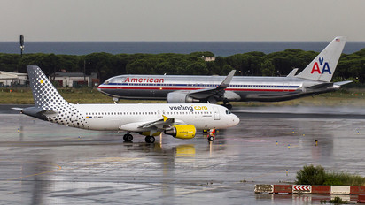 EC-MBY - Vueling Airlines Airbus A320