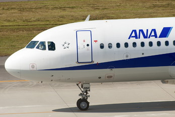 JA8382 - ANA - All Nippon Airways Airbus A320