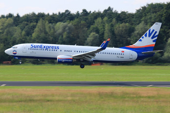 TC-SNH - SunExpress Boeing 737-800