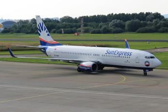 TC-SNH - SunExpress Boeing 737-800