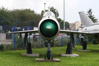 10 - Poland - Air Force Mikoyan-Gurevich MiG-21PFM