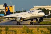D-AIUE - Lufthansa Airbus A320 aircraft