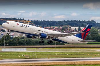 N186DN - Delta Air Lines Boeing 767-300ER