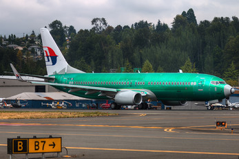 N1787B - Malaysia Airlines Boeing 737-800