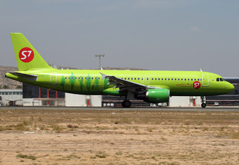 VQ-BDF - S7 Airlines Airbus A320