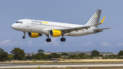 EC-MAI - Vueling Airlines Airbus A320