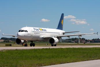 EI-DST - Air One Airbus A320