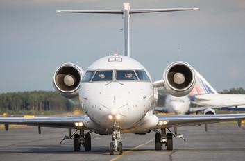 - - Rusline Canadair CL-600 CRJ-100