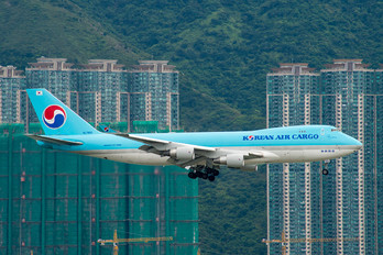 HL7605 - Korean Air Cargo Boeing 747-400F, ERF
