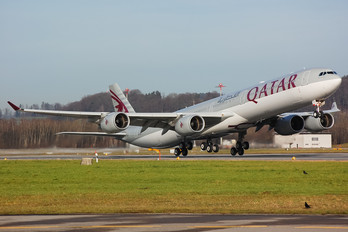 A7-AGD - Qatar Airways Airbus A340-600