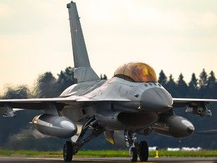 ET-612 - Denmark - Air Force General Dynamics F-16B Fighting Falcon
