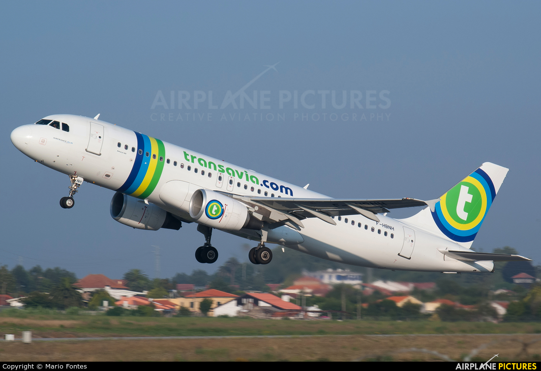 f hbnh transavia france airbus a320 at porto photo id 438460 airplane. Black Bedroom Furniture Sets. Home Design Ideas