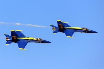 163765 - USA - Navy : Blue Angels McDonnell Douglas F/A-18A Hornet