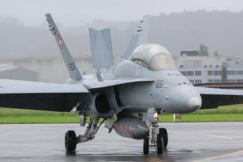 J-5235 - Switzerland - Air Force McDonnell Douglas F/A-18D Hornet