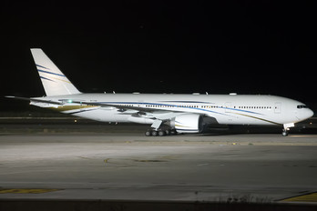 N777AS - Mid East Jet Boeing 777-200