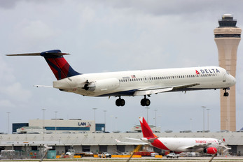 N968DL - Delta Air Lines McDonnell Douglas MD-88