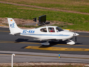 EC-KKH - Private Cirrus SR20