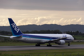 JA8291 - ANA - All Nippon Airways Boeing 767-300