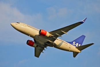 LN-TUK - SAS - Scandinavian Airlines Boeing 737-700