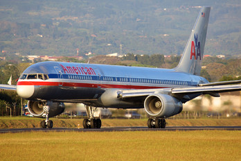 N647AM - American Airlines Boeing 757-200WL