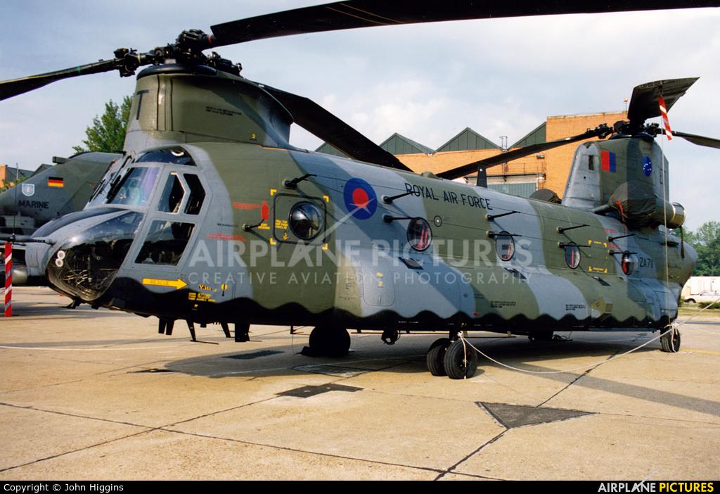 Royal Air Force ZA711 aircraft at Mildenhall