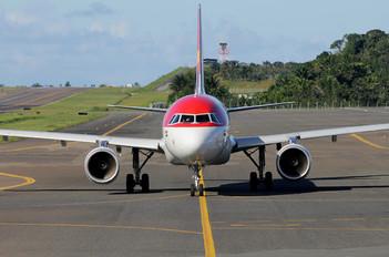 PR-ONX - Avianca Brasil Airbus A320