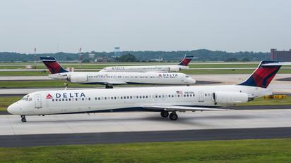 N921DL - Delta Air Lines McDonnell Douglas MD-88