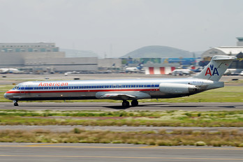 N556AA - American Airlines McDonnell Douglas MD-82