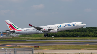4R-ADG - SriLankan Airlines Airbus A340-300