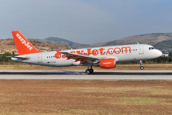 G-EZUX - easyJet Airbus A320