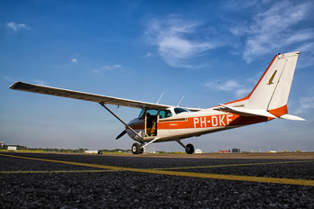 PH-DKF - Private Cessna 172 Skyhawk (all models except RG)