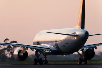 EI-DSM - Alitalia Airbus A320