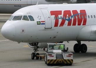PR-MAR - TAM Airbus A320