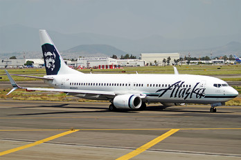 N528AS - Alaska Airlines Boeing 737-800