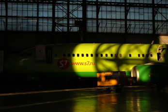 VP-BQF - S7 Airlines Boeing 737-800