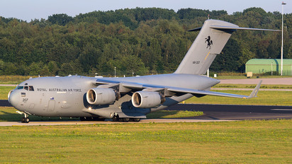 A41-207 - Australia - Air Force Boeing C-17A Globemaster III