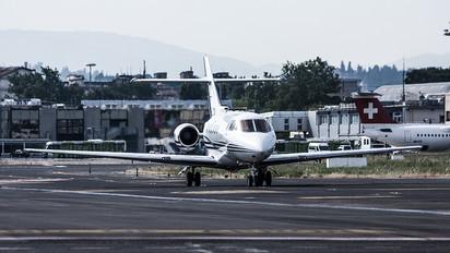 LY-LTD - Private Hawker Beechcraft 800XP