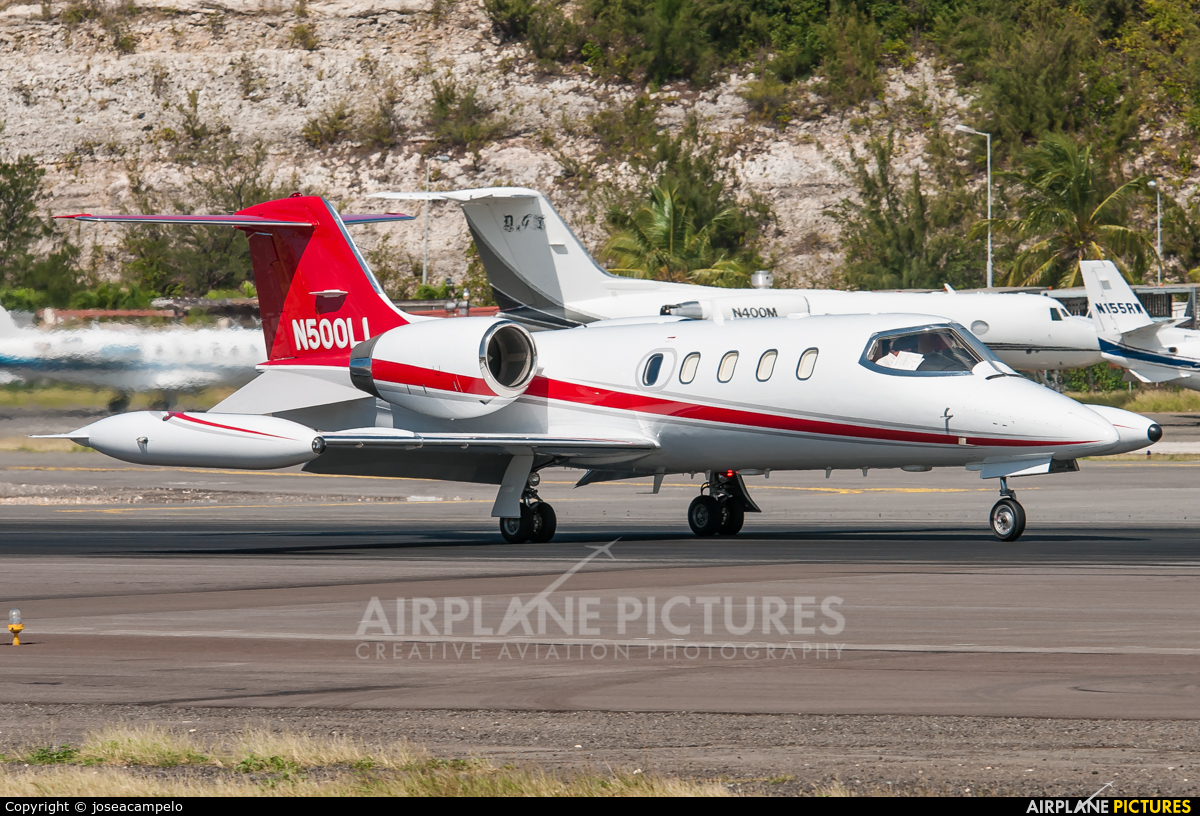Private N500LL aircraft at Sint Maarten - Princess Juliana Intl