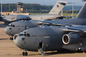 A41-211 - Australia - Air Force Boeing C-17A Globemaster III