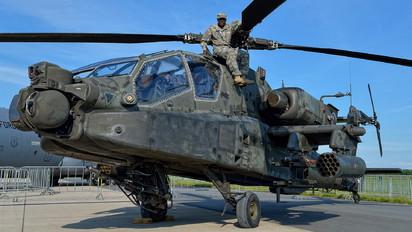 04-05446 - USA - Army Boeing AH-64D Apache