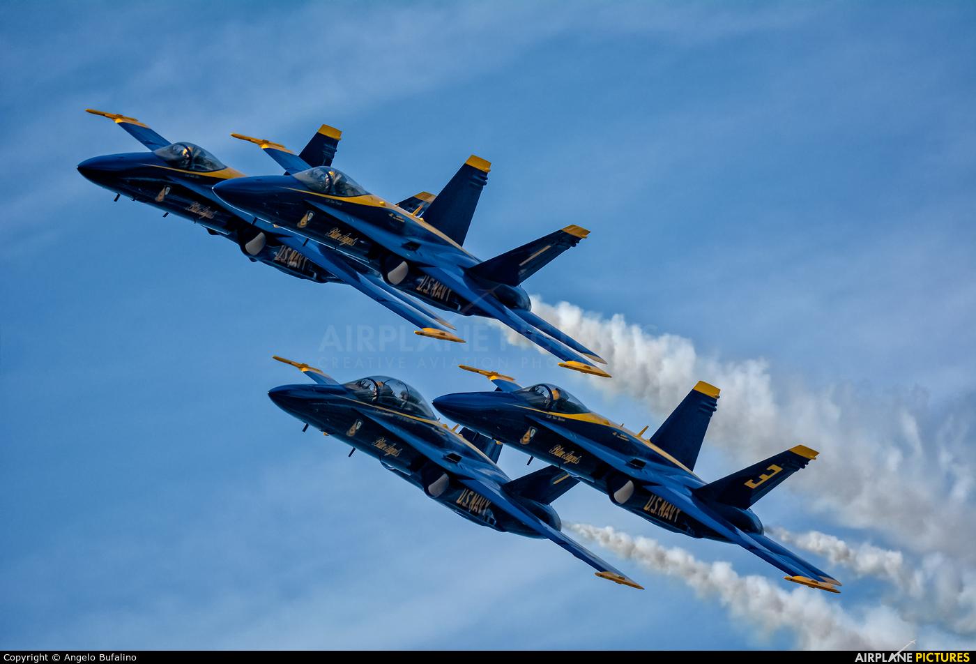 USA - Navy : Blue Angels 163484 aircraft at Cleveland - Burke Lakefront