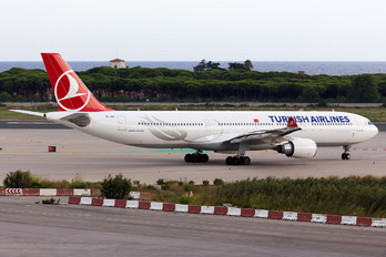 TC-JOC - Turkish Airlines Airbus A330-300