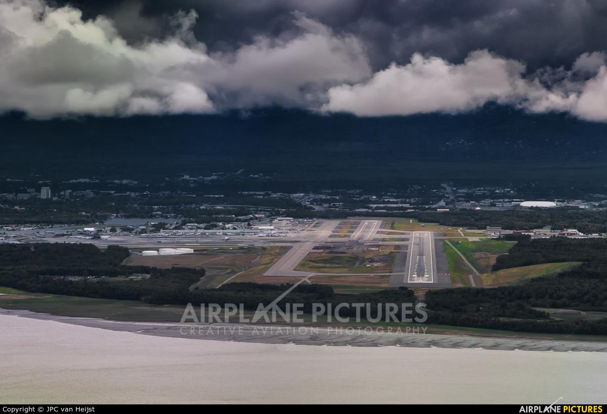 - Airport Overview - aircraft at Anchorage - Ted Stevens Intl / Kulis Air National Guard Base