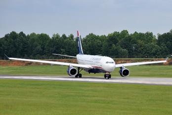 N284AY - US Airways Airbus A330-200