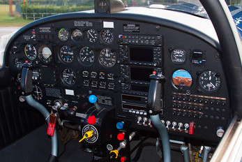 I-MARK - Private SIAI-Marchetti SF-260